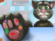 Play Talking Tom Foot Doctor game