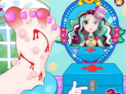 Play Madeline Hatter Foot Doctor game